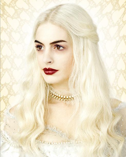 alice_in_wonderland_anne_hathaway_white_queen_image_01